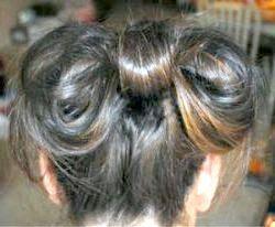 Як робити бантик з волосся?