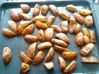 Фото - Як приготувати картоплю дольками в духовці?