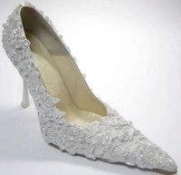 Фото - Як розтягнути тісне взуття
