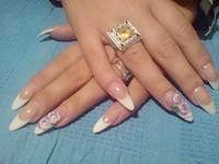Фото - Як зняти акрілловие нігті вдома?
