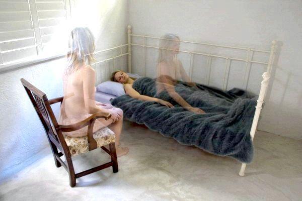 Фото - Чому не можна фотографувати сплячих людей?