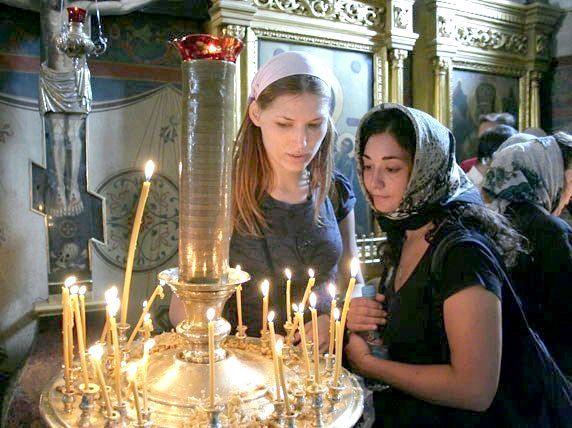 Фото - Чому не можна ходити до церкви під час місячних?